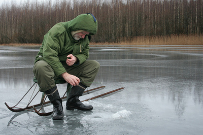 ice fishing pic.jpg