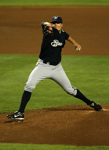 parra pitching.jpg