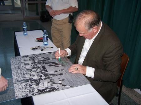 Jerry Kramer signing print.JPG