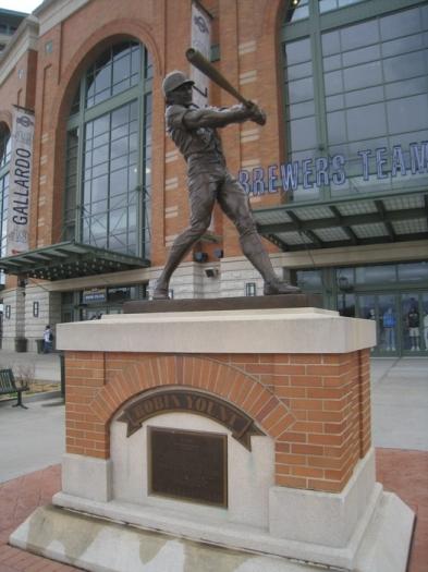 yount statue.JPG