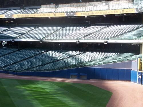 9_04_09 Giants vs Brewers @ Miller Park 013.jpg